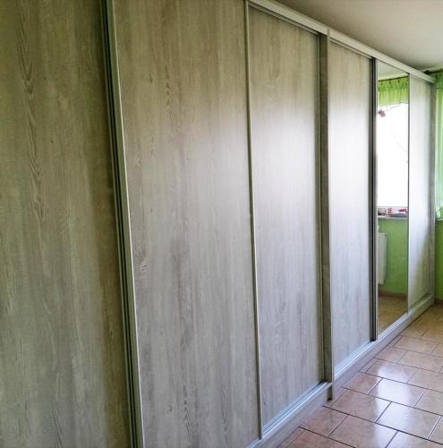 drzwi-przesuwne-do-szafy